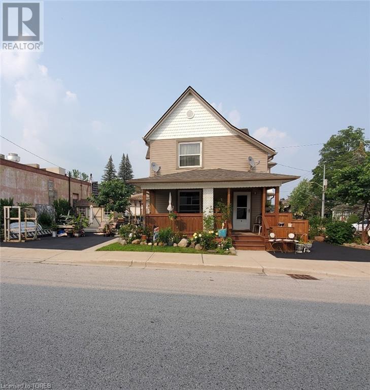 44 London Street E, Tillsonburg, Ontario  N4G 2L1 - Photo 2 - 40096352